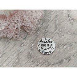 Medalla Abuelas como tú dejan huellas en el corazón